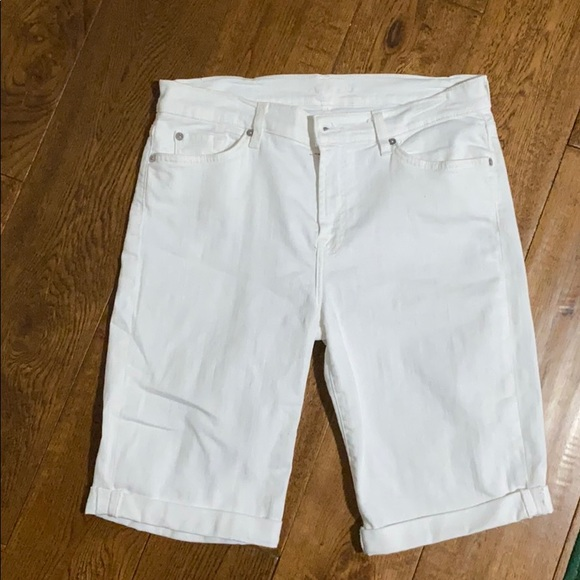 7 For All Mankind Pants - White 7 for all man kind Bermuda shorts
